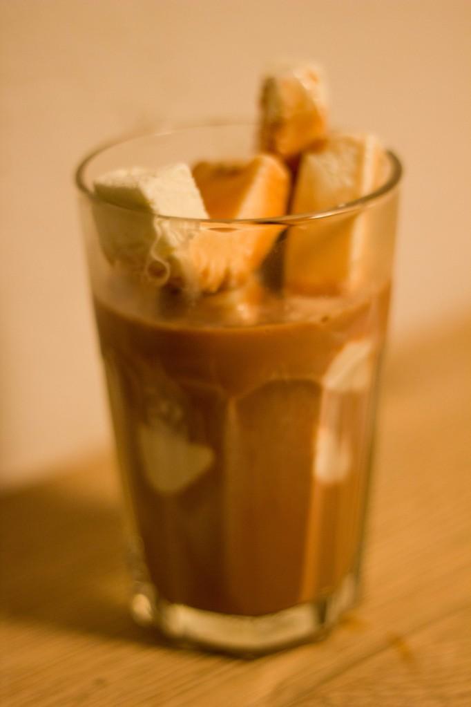 Kakao med vaniljeis eller is er en god dessert