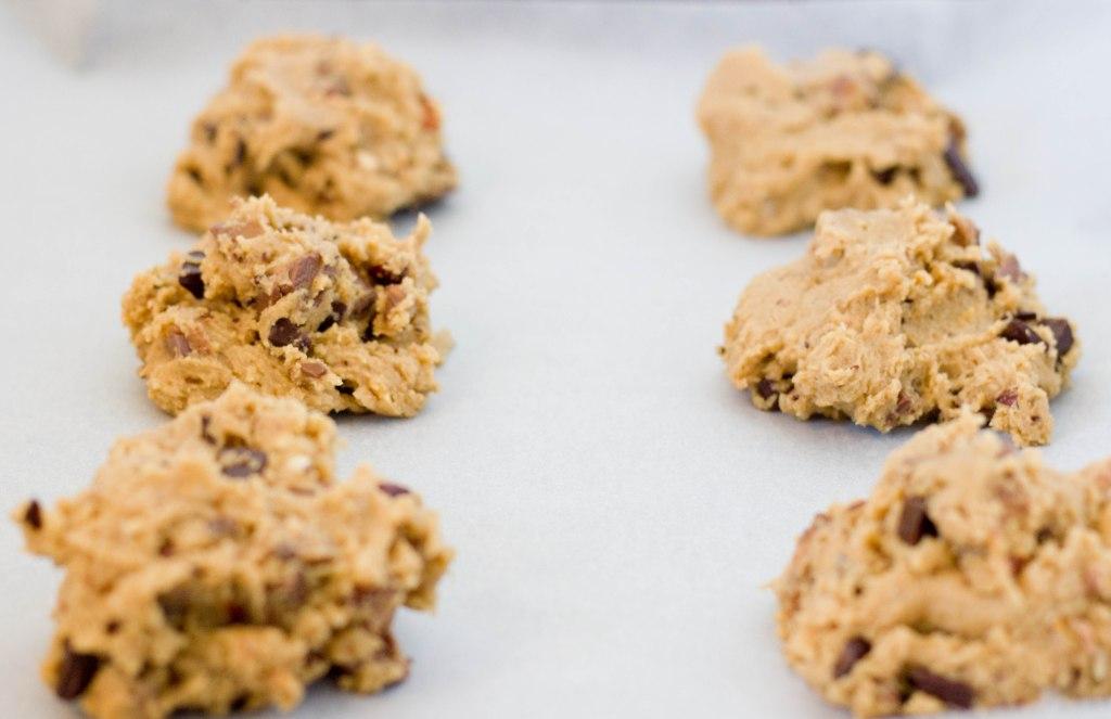 cookies med mars og hvid og mørk chokolade hurtige og nemme at lave smager fantastisk