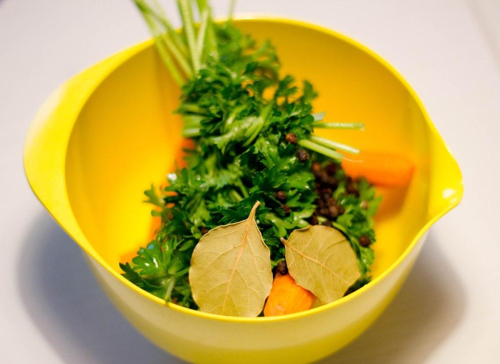 høns i asparges er en klassisker og mormor mad det er en sund version med kylling og asparges samt hvid sovs